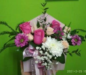 Комплимент 9 цветы с доставкой Евпатория